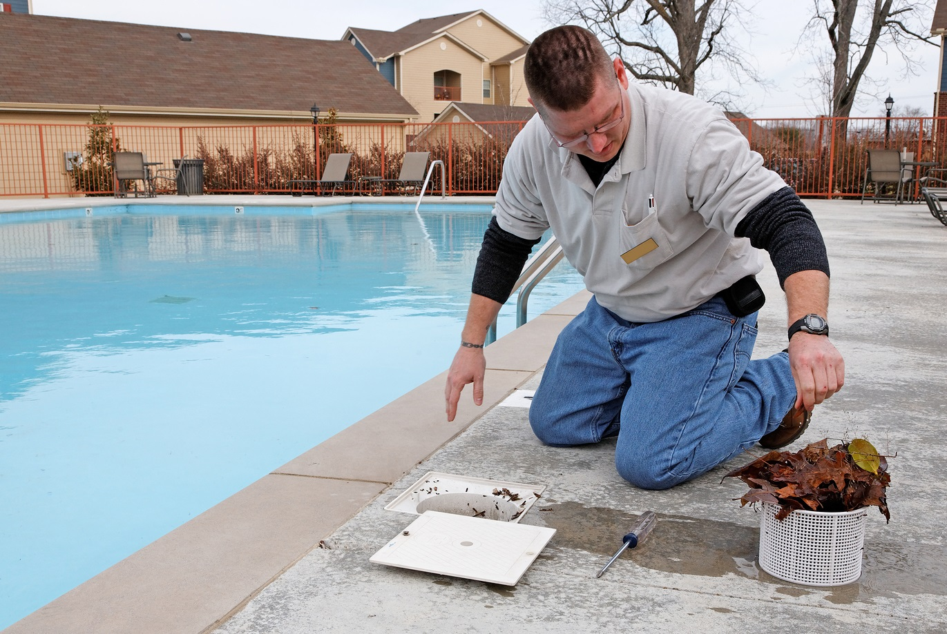 Glendale AZ Water Leveler Repair | Pink Dolphin Pool Care