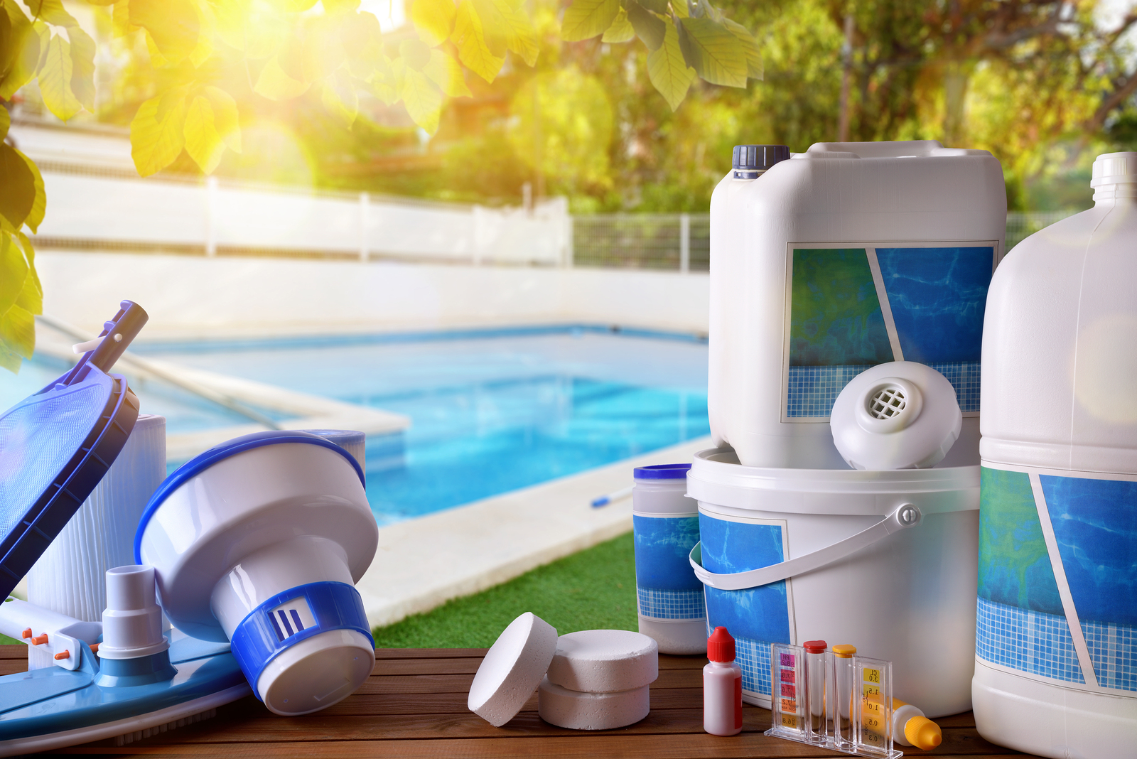 What you need to know about chlorine for your swimming pool for Pool service